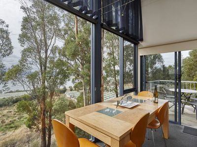 Photo for Treetops Luxury 2 Bed Apartment