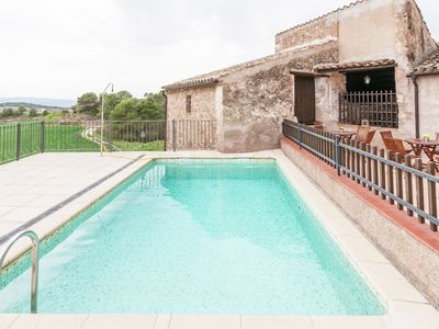 Photo for Luxurious Cottage with Swimming Pool in Catalonia