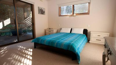 Photo for Eastwind on Chinamans Creek - Comfortable accommodation with a huge grassed yard