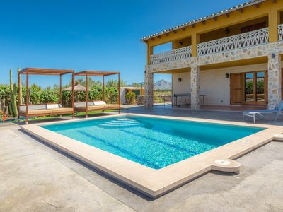 Photo for Great Villa for up to 12 guests close to the beach (2 km)