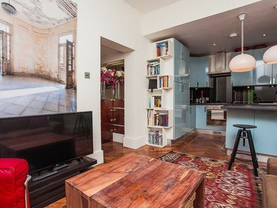 Photo for Stylish 3 Bed Apartment Next to Hyde Park