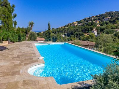 Photo for Lovely apartment for 12 people with WIFI, private pool, TV and parking