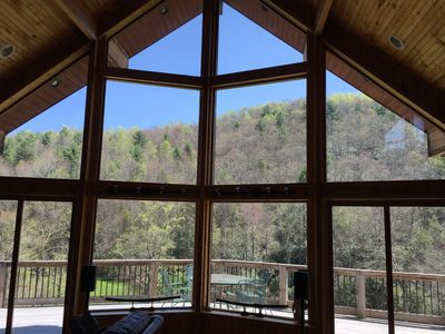 Mountain views in every direction, book early for fall colors!!