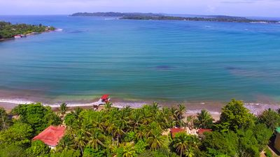 Amazing location for the perfect vacation! Close to Bocas Town for convenience!