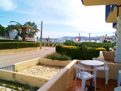 Photo for Small, modern apartment for 2/4 persons at Llançà, Costa Brava, Empordà