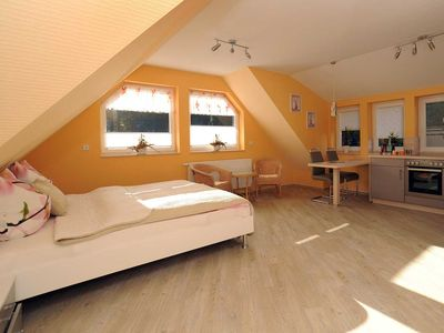 "Photo for Apartment ""Parkblick"" - Holiday Apartments ""to port"""