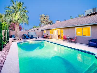Photo for Prime Location, Heated Pool, Putting Green, Hot Tub, Game Room, Concierge, More