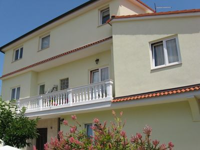 Photo for 2BR Apartment Vacation Rental in Valbandon, Istrien