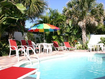 Clearwater Beach cottage w/heated pool, walk to Beach, family friendly, weekly