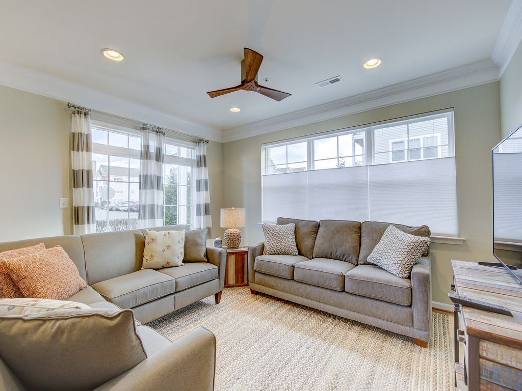 37684 ulster drive brand new listing first floor - 3 bedroom pet friendly apartments ...