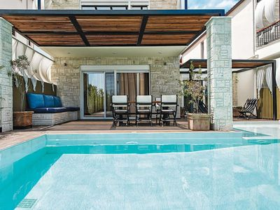 Photo for Stylish 3 bed villa with covered dining