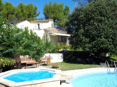 Photo for Authentic Provencal mazet in peace with swimming pool and overflowing jacuzi