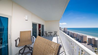 Penthouse unit with views of the Lagoon and the Beach! 3 pools and a lazy River!