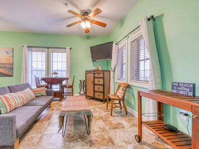 Photo for Charming studio w/premium location and shared pool & basketball court!