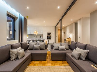 Photo for Feel Porto Premium Apartment, 5 bedrooms, ideal for groups