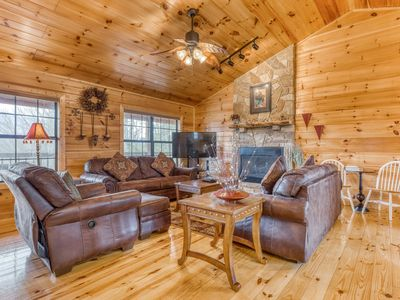Photo for Private log cabin with outdoor chess set, hot tub, theater, and arcade games