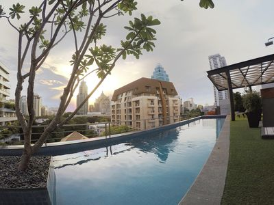 Photo for Homey Condo Near BTS Ploenchit