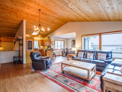 Photo for Spacious Deck for Grilling, Media Room,2 Master Suites,Walk to River - ROGU19