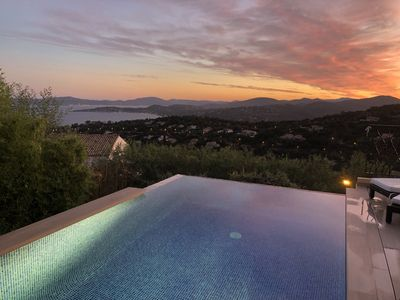 Photo for Villa with dazzling sea views over the gulf of St-Tropez, heated infinity pool