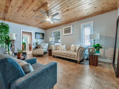 Photo for Lake Worth Beach Cottage, Close to downtown!!
