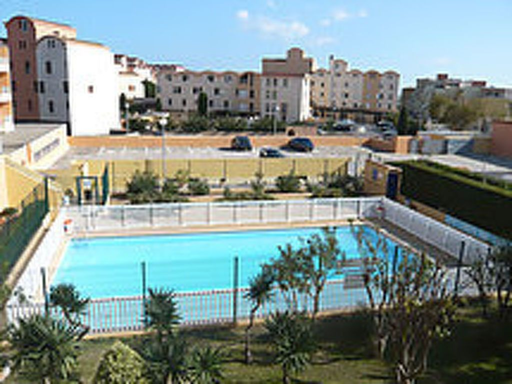 Attractive In The Center Of Gruissan With Internet, Pool, Parking, Balcony (96051)