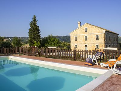 Photo for Piagge Del Sole: Beautiful farmhouse in the countryside with swimming pool