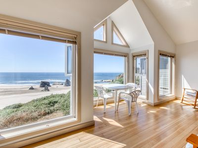 Photo for NEW LISTING! Beachfront condo w/ amazing ocean view & beach access - dogs OK!