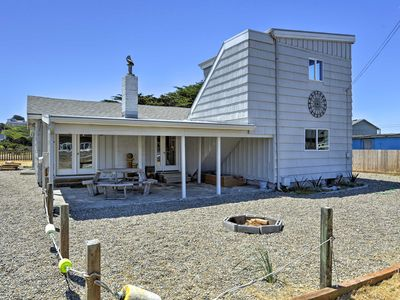 Photo for Bandon Home: Ocean View, Steps to South Jetty Park