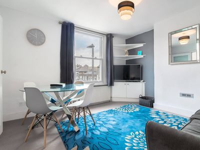 Photo for Bright Large Home in Clapham, Sleeps 8!