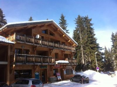 Chalet Les Carons. Appartment on large balcony
