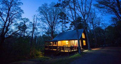 The Trail House at Eagle Ridge - Sleeps 4, Wifi, Hot tub, Pet Friendly