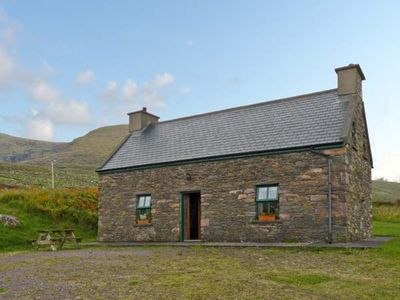 Photo for AN NEAD, pet friendly in Dingle, County Kerry, Ref 9259