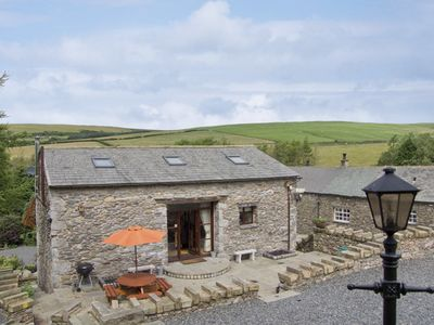 Photo for HILL SIDE BARN, family friendly, with hot tub in Pennington, Ref 2964