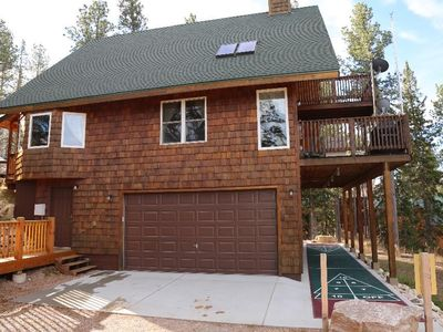 Unique Cabin a large lot, 1 Mile from Terry Peak Lodge w/ Hot Tub and Trails!