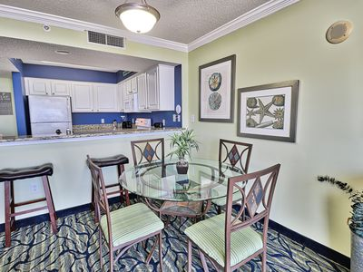 ⭐️Come Live In the Paradise 2bd 2 ba Ocean Front Deluxe King Condo