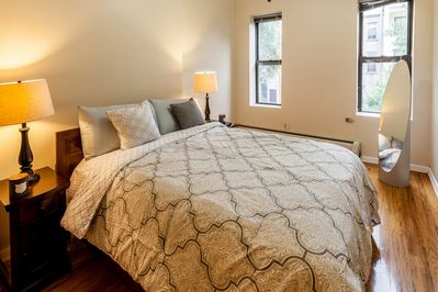 Bedroom with comfortable linens