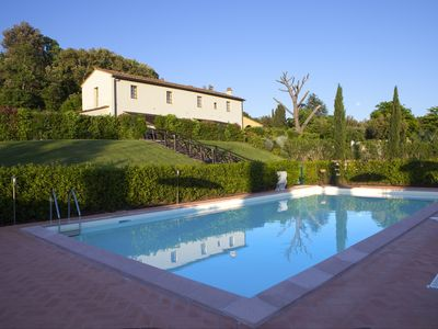 Photo for Three-roomed apartment with swimming pool and garden 15 'from Marina di Cecina