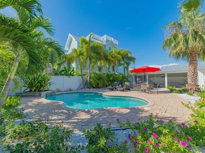 Photo for Adorable Vintage Anna Maria Cottage. Heated Pool! North End! 2 Blocks to Beach!