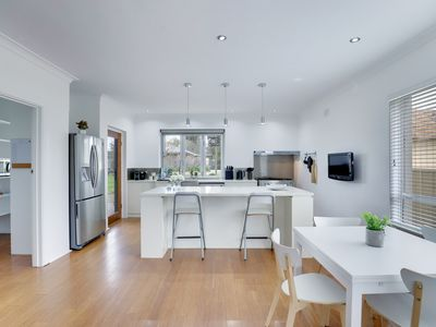 Photo for Spacious Hahndorf Hideaway ♡ 4BR ♡ Wifi ♡ BBQ