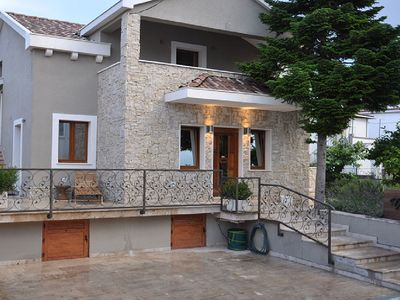 Photo for Double or Twin Room 1, 20 m to the sea, 2 people, terrace, free WiFi, parking