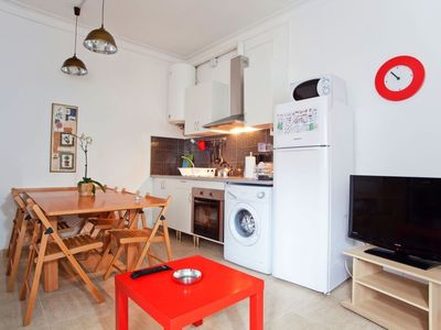 Photo for Tarradellas A apartment in Les Corts with air conditioning & private parking.