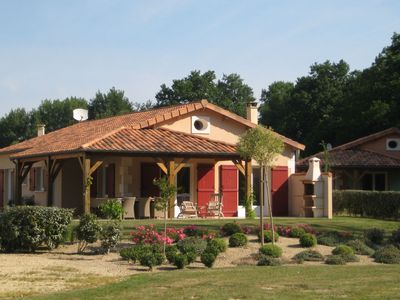 Photo for Detached, single story villa located on a park with swimming pool