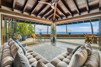 Great Room opens to the outside lanai & pool