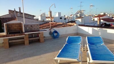 Photo for Central Holiday Apartment with Rooftop Terrace, Wi-Fi and Air Conditioning; Pets Allowed