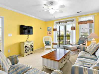 Family Friendly 3 Bedroom Condo in Sunset Island with Waterview! Pools, gym, and more!