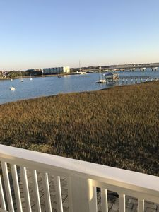 118 Waters Edge~  Beautiful River View~ 3bd/3ba~ Community Pool