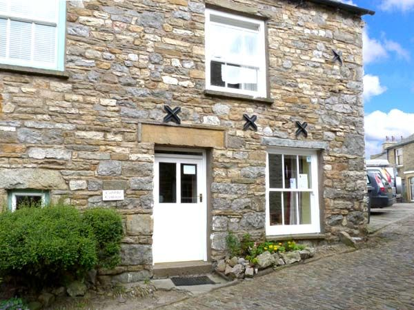 Cobble cottage pet friendly in dent ref 1 homeaway - Pet friendly cottages with swimming pool ...