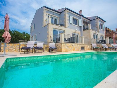 Photo for Villa Sunce with Common Pool in Kastelir / Modern Apartment Sunce II on the Ground floor with Shared Pool
