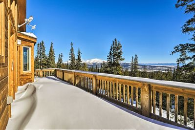 Enjoy fresh alpine air and stunning scenery from this sizable balcony.