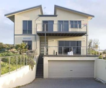 Photo for WAVES EDGE GOOLWA SOUTH AUSTRLIA.   Closest property to Goolwa beach